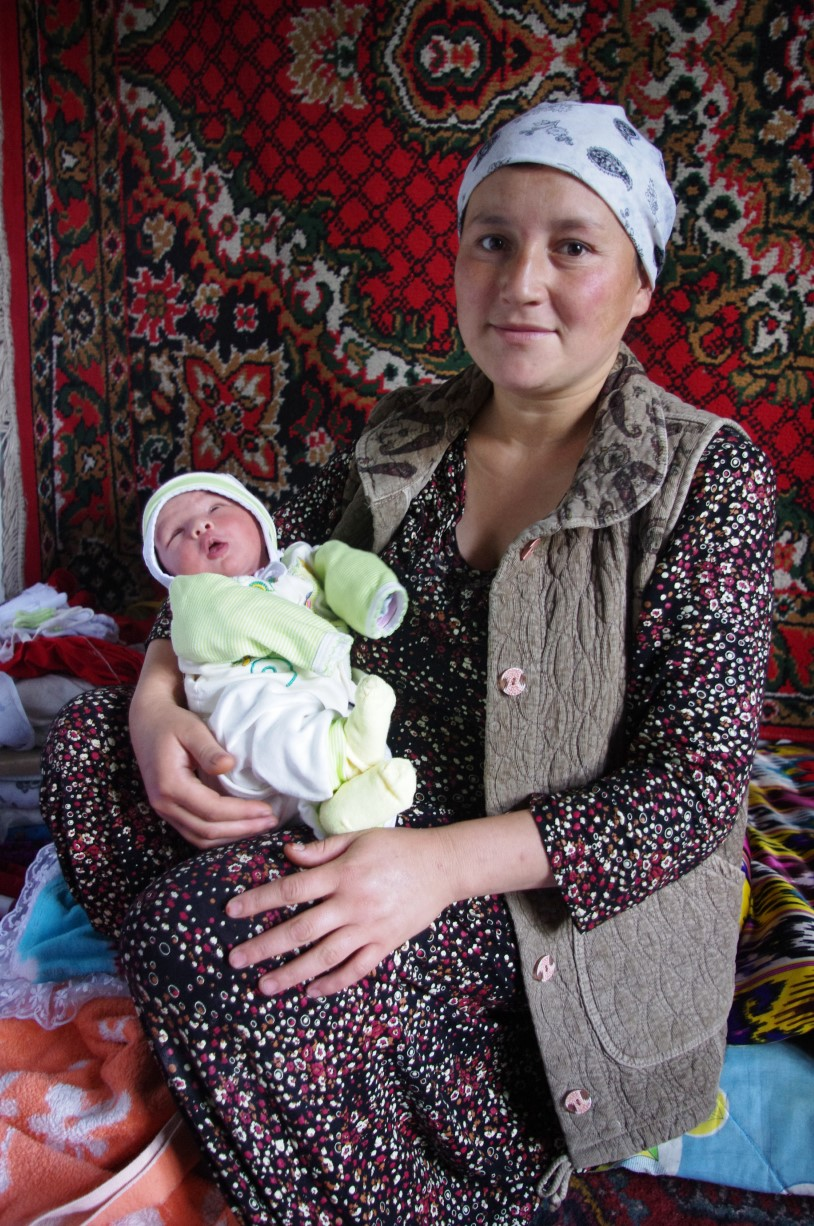 2021 -10-15 KG Mother With Baby (wp)