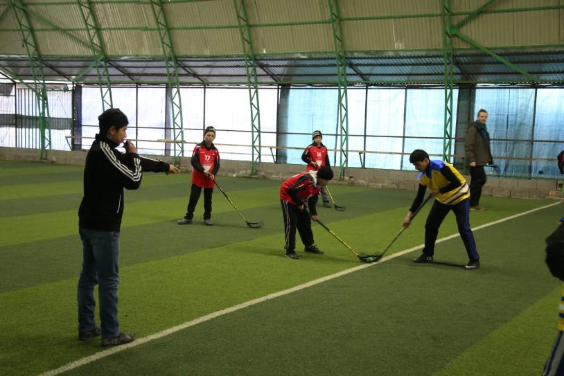 2016-03-28-Floorhockey-Training-story